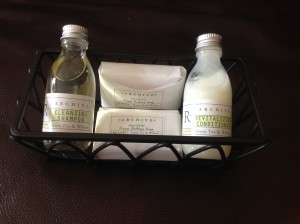 products in caddy without pillow